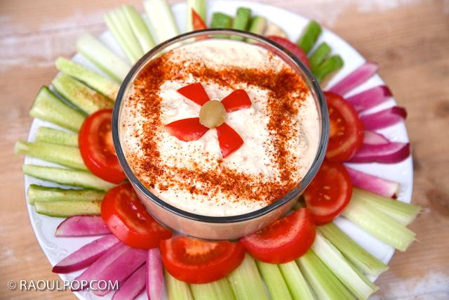 hummus-with-veggies-3