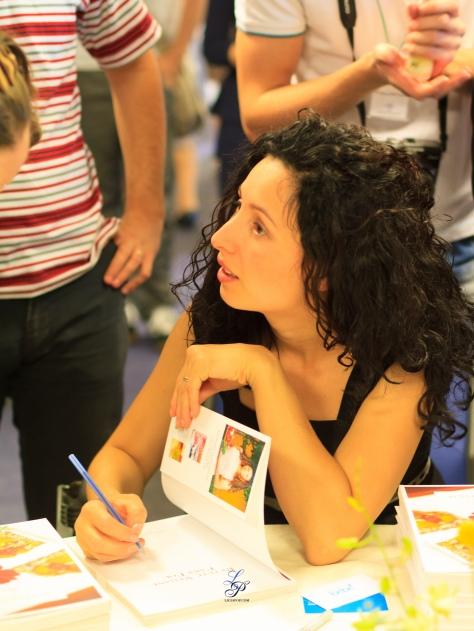 Ligia semneaza autografe